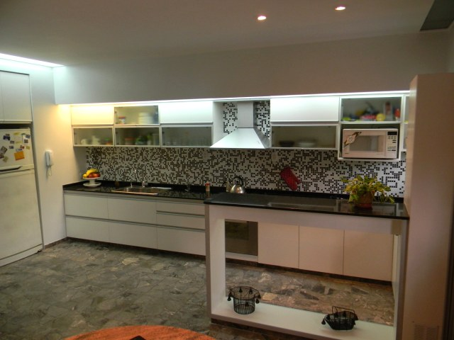 Mesadas de cocina amoblamientos de cocina for Muebles de cocina precios de fabrica